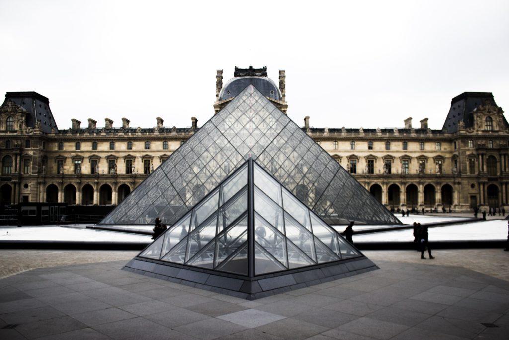 Le musée du Louvre à Paris : un moyen d'augmenter sa culture générale
