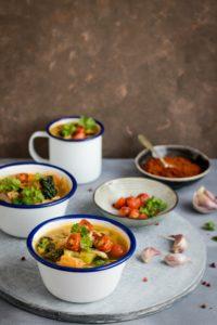 petits bols de soupe de légumes