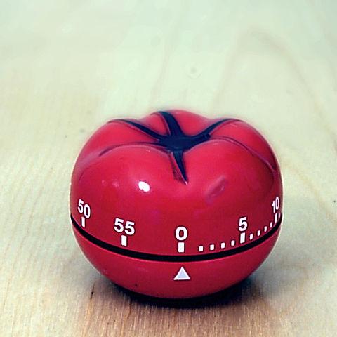 minuteur en forme de tomate pour la technique Pomodoro