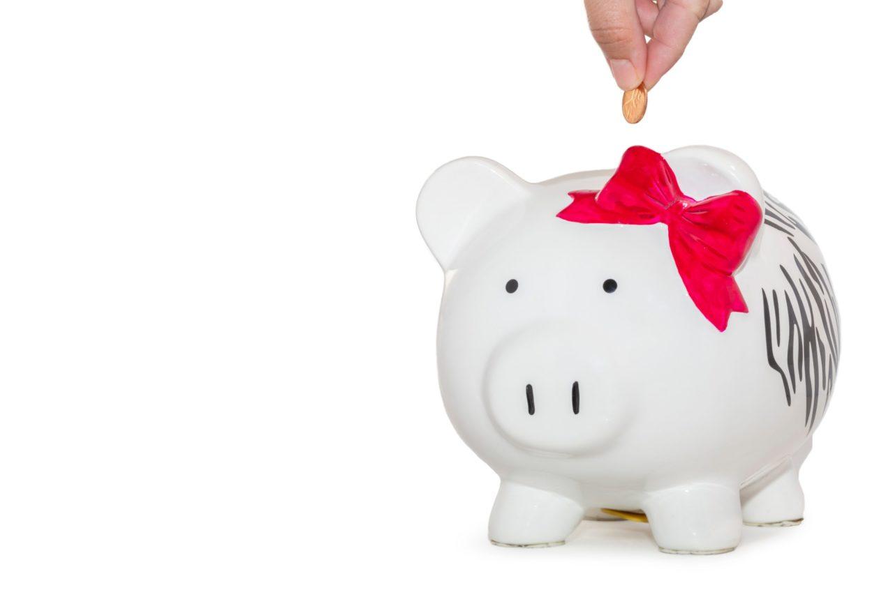 tirelire en forme de cochon pour faire des économie sur son budget étudiant