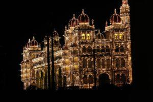 un palais illuminé pour symboliser le palais de la mémoire comme une des techniques de mémorisation rapide